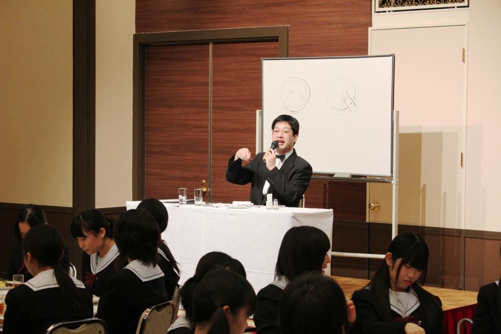 テーブルマナー(H24)①