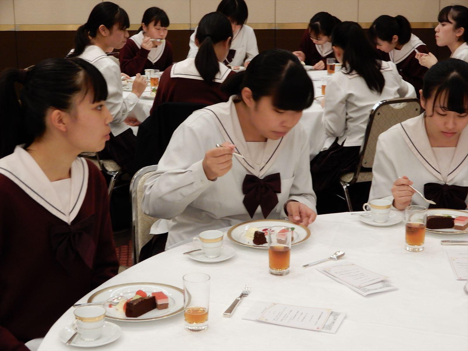 3年テーブルマナー講習会(H30)②